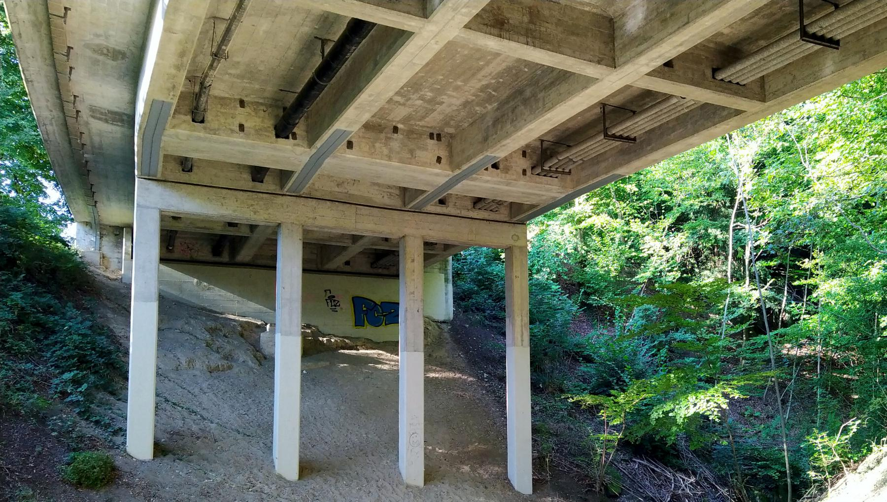 01 Autobrücke über Rütschlibach
